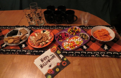 2015Halloween-FingerFoodTable